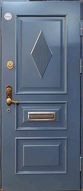 šarvuotos durys, mėlynos medžio spalvos, su spyna, su akute ir dekoracijom