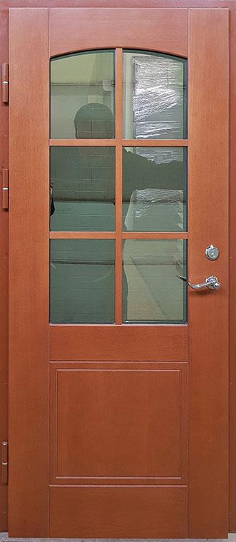 medinės lauko durys, su stiklais ir ornamentais
