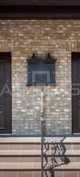 prabangaus dizaino lauko durys, su ornamentais, su stiklu