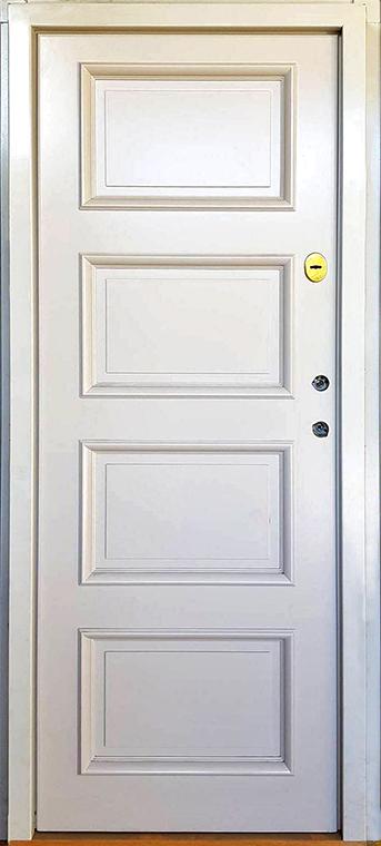 šarvuotos durys, su spyna, baltos medžio spalvos, kairinės, su ornamentais