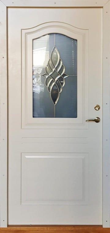 šarvuotos durys, medžio spalvos, baltos spalvos, kairinės, su stiklais ir dekoracijom