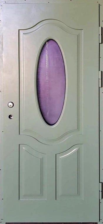šarvuotos durys, medžio spalvos, žalios spalvos, atidarymas iš dešinės, su violetiniu ovaliu stiklu